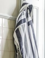 Luxe Badjas Stripes Grijs / Wit - Maat XL bij debadeend.nl