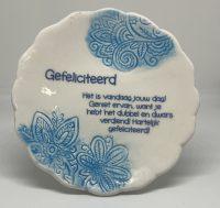 Tegelmagneet met leuke spreuk - Gefeliciteerd - Blauw bij debadeend.nl